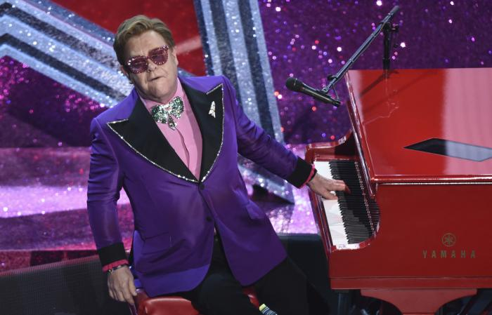 """Elton John performs """"(I'm Gonna) Love Me Again"""" nominated for the award for best original song from """"Rocketman"""" at the Oscars."""