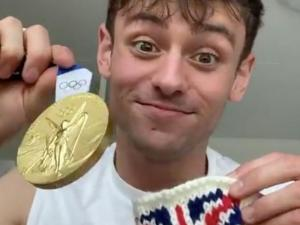 Watch: Fans Marvel at Gay Olympian Tom Daley's Knitting